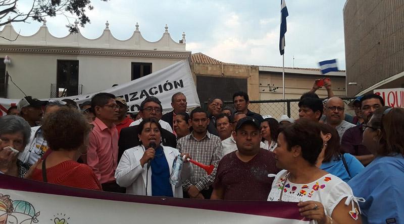 Médicos, maestros y sindicatos anuncian paro nacional
